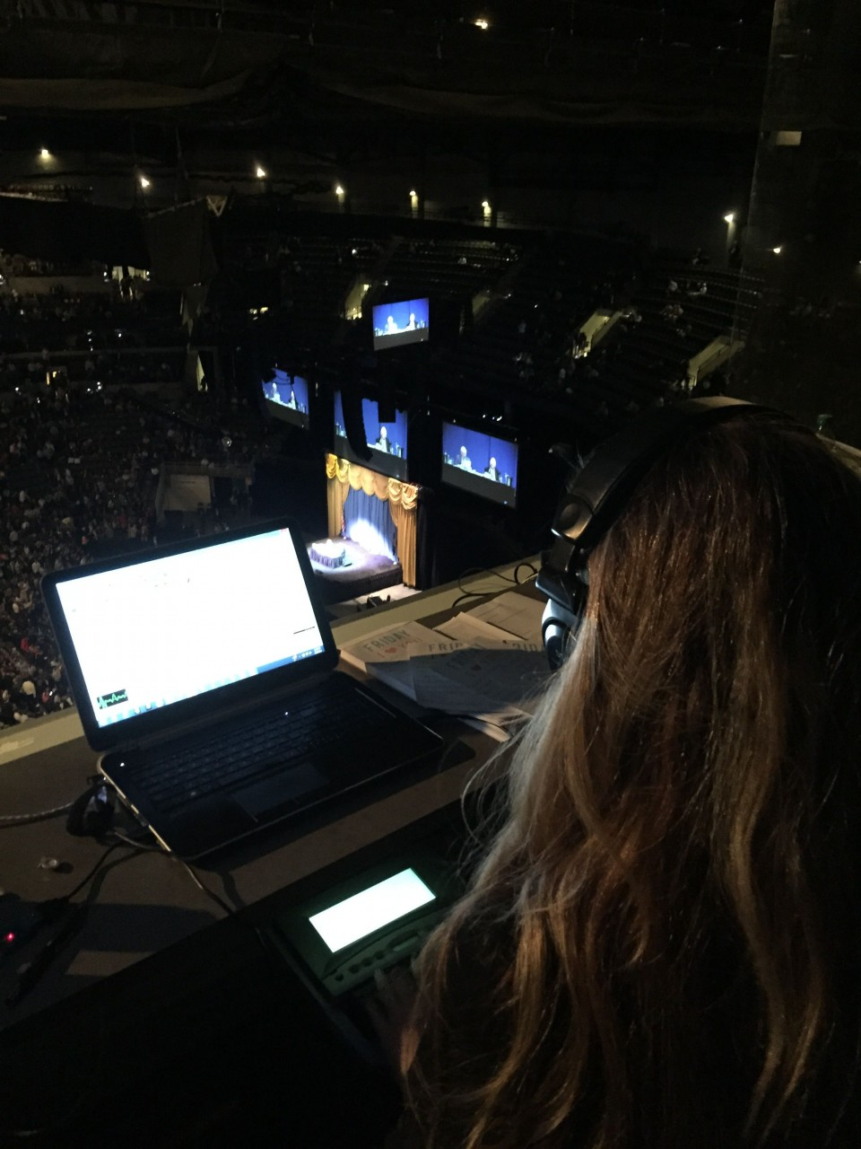 Thomas & Thomas Court Reporters Reports 2015 Berkshire Hathaway Annual Shareholders Meeting